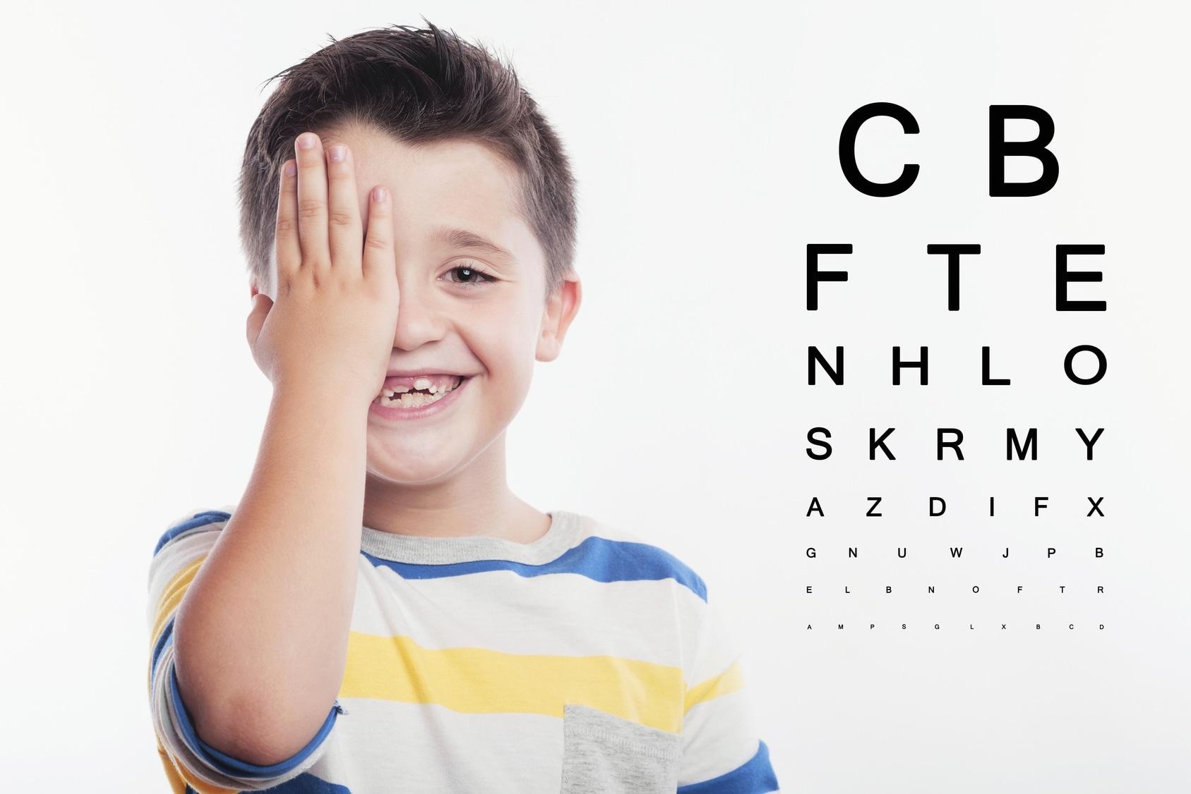La hipermetropía es un error de refracción. El ojo no puede enfocar de cerca.