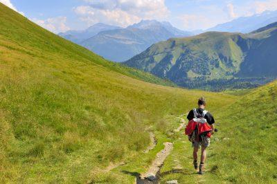 Cómo prevenir lesiones cuando practicas montañismo