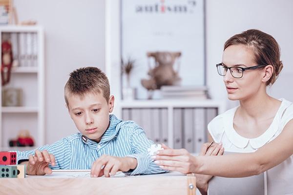 El Síndrome de Asperger se considera dentro de los trastornos de espectro autista - CinfaSalud