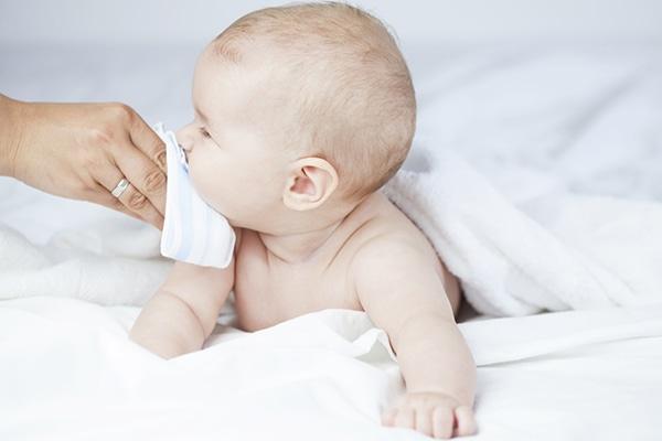 Congestión nasal en bebés, ¿cómo limpiar la nariz de los más pequeños?
