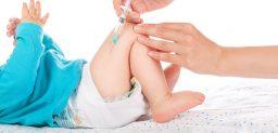 La OMS insiste en la importancia que tiene la vacuna contra la difteria.