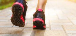 En la fascitis plantar, el calzado influye en la evolución del dolor plantar. CinfaSalud