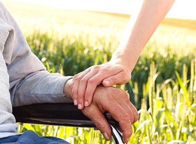 Las personas cuidadoras también deben vigilar su salud. CinfaSalud