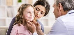 El contagio de la mononucleosis se produce por la transmisión del virus a través de la saliva. CinfaSalud