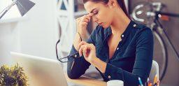¿Cómo afrontar el estrés laboral? CinfaSalud