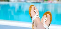 ¿Cómo prevenir la aparición de hongos en los pies?