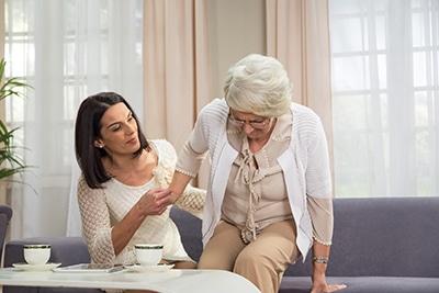 La osteoporosis es una de las causas de la fractura de cadera. CinfaSalud