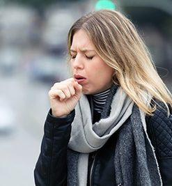 ¿Qué es bueno tomar para la tos? CinfaSalud