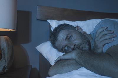 La andropausia en los hombres puede provocar insomnio.